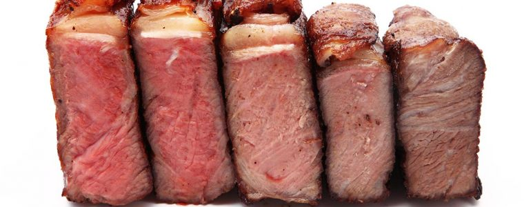 Tingkat Kematangan Steak: Rare Steak yang Kemerahan hingga Well Done yang Matang Sempurna
