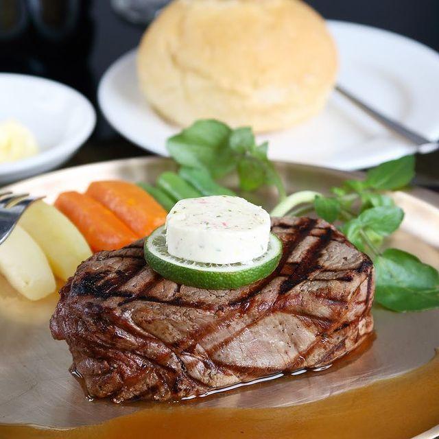 Angus House Tempat Makan Steak di Surabaya